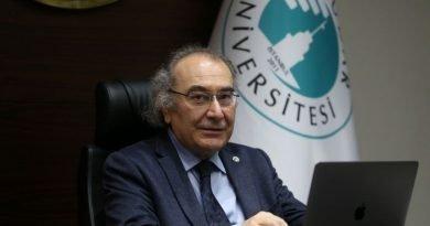 """Prof. Dr. Nevzat Tarhan: """"Gençler iyi insan olma hedefine yönlendirilmeli"""""""